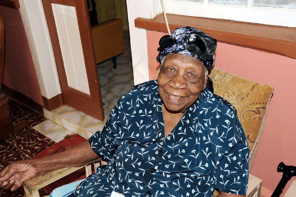 Violet Mosse, Oldest Woman, World's Oldest, Aunt V, African American News, KOLUMN Magazine, KOLUMN