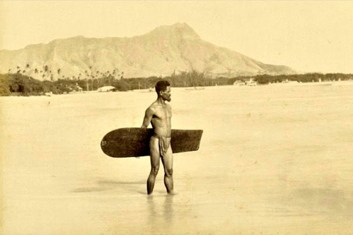 Surfer, Vintage Photo, Diamond Head, Hawaii, KOLUMN Magazine, KOLUMN, KINDR'D Magazine, KINDR'D, Willoughby Avenue, Wriit,